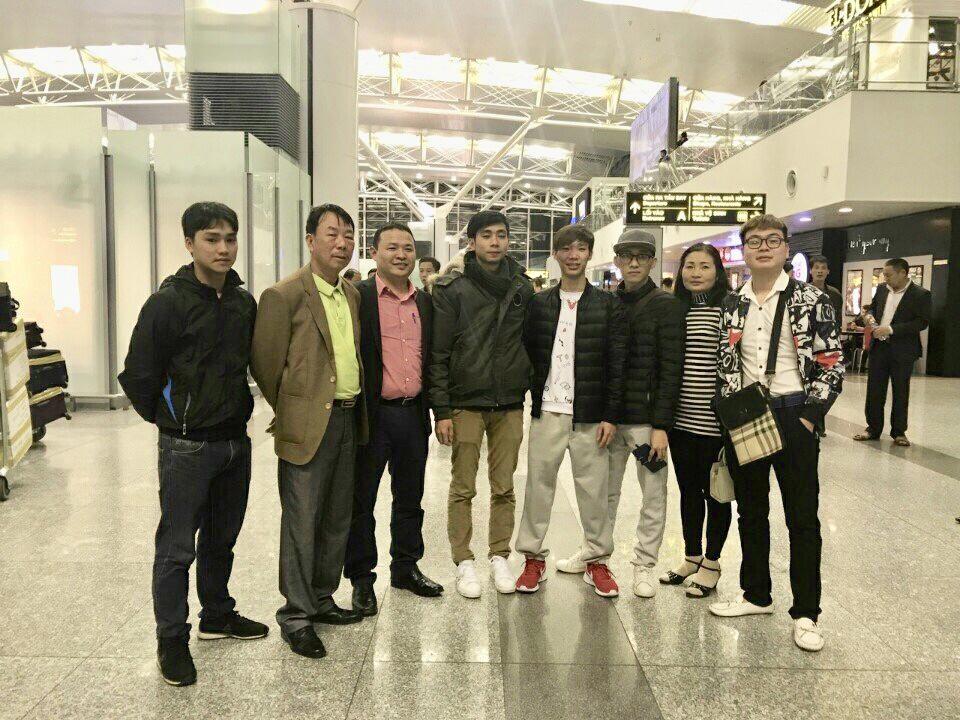 HSedu tiễn học viên ra sân bay